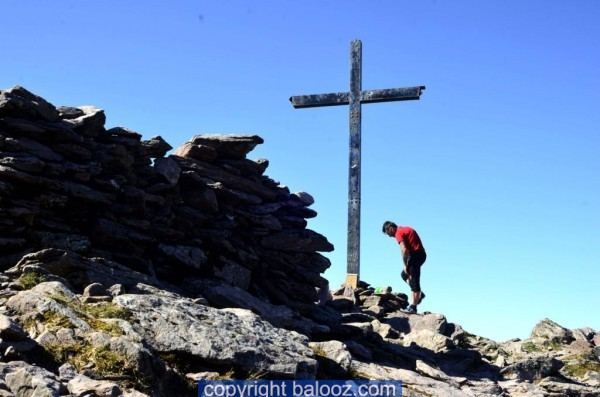 climb-carrauntoohil-howling-ridge-john-cross